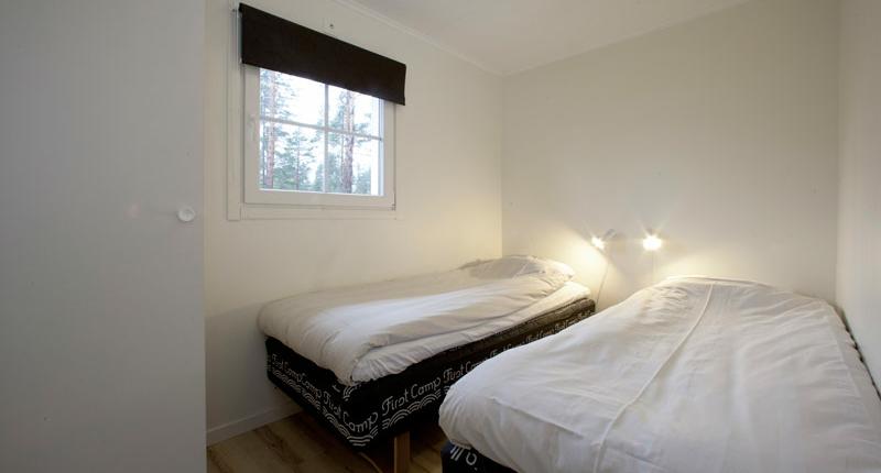 First-Camp-Schaatsen-Lulea-bedroom