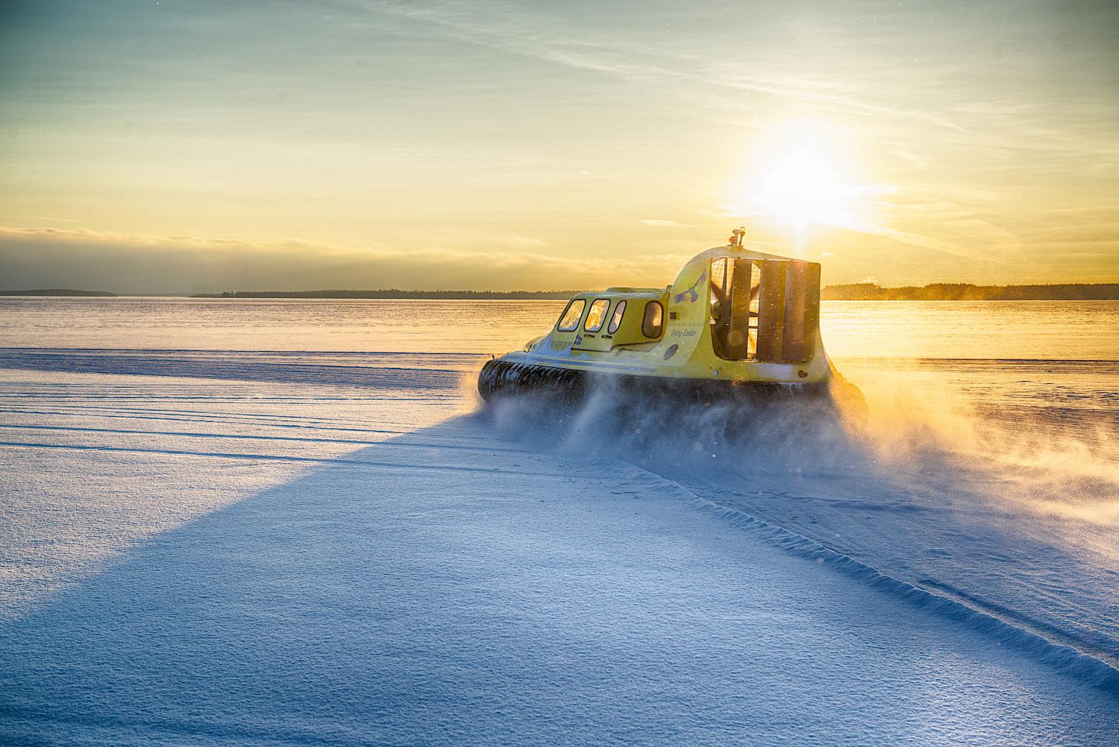 adrenaline-tip-tocht-met-een-hovercraft-in-zweden-1